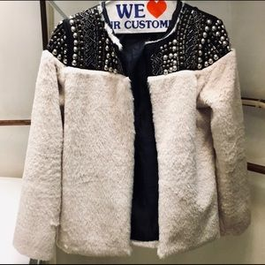 BEAUTIFUL EMBELLISHED FUR COAT - size Small